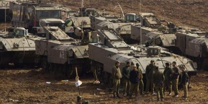 L'armée israélienne prête à une offensive terrestre à Gaza