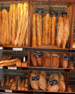 L'Etat décide de baisser le prix du pain, les boulangers rouspètent et menacent