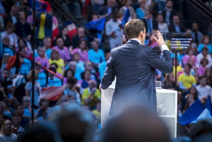 Emmanuel Macron termine la campagne « sur la ligne de crête »
