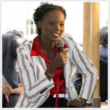 La responsable de l'UMP à Colombes et secrétaire d'Etat aux droits de l'homme de la France, Rama Yade étale ses ambitions (Photo:jeansarkozy.org