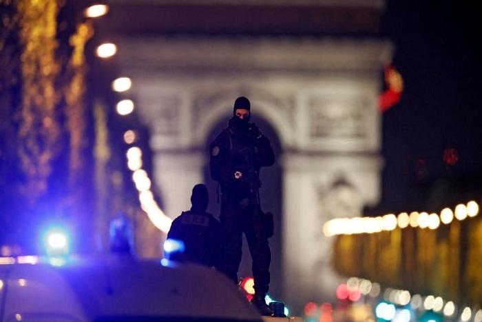 L'identité de l'auteur de la fusillade aux Champs-Élysées révélée