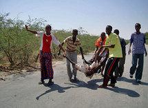 Au moins deux civils ont été tués lors d'une attaque au mortier par des insurgés islamistes contre une base burundaise de l'Amisom à Mogadiscio, le 22 février 2009.( Photo : Reuters )
