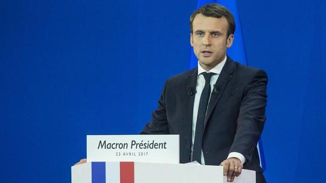 Emmanuel Macron en deuil :