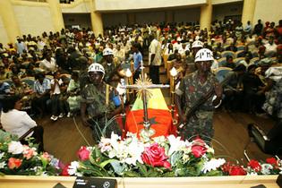 Les obsèques du président assassiné, Joao Bernardo Vieira ; Bissau, le 10 mars 2009.  (Photo:Reuters)