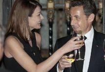 Nicolas Sarkozy et Carla Bruni-Sarkozy lors d'un dîner officiel à Mexico, le 9 mars. (Reuters)