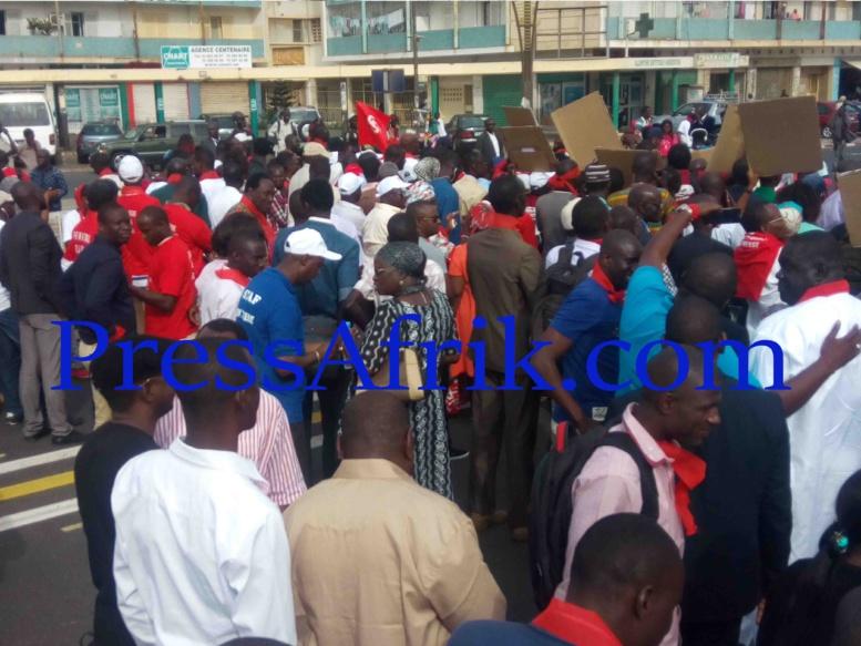 Revivez sur PressAfrik la grande marche de la presse Sénégalaise en Images et video