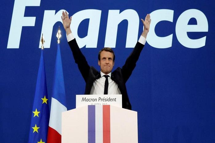 Hollande confirme que la passation de pouvoirs avec Macron aura lieu dimanche