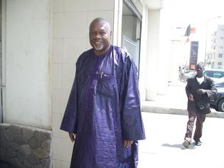 Amath Dansokho à la SONATEL de la Médina pour soutenir les travailleurs