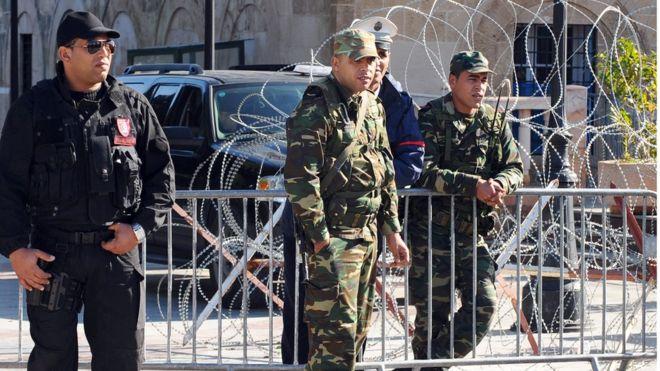 Tunisie : l'état d'urgence prolongé