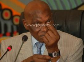 Le président de la République, Abdoulaye Wade au conseil présidentiel