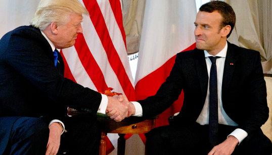 """Après une rencontre """"extrêmement directe"""", Macron met en garde Trump contre toute """"décision précipitée"""" sur le climat"""