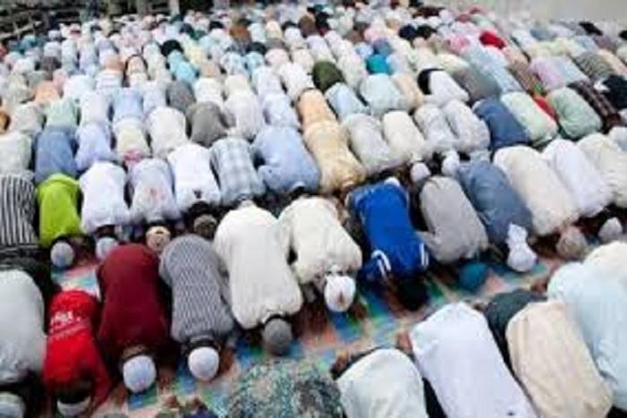 Ramadan - Nafila 8ème nuit: 2 rakkas pour les «mérites de celui qui aurait adoré le DIEU unique pendant mille ans»