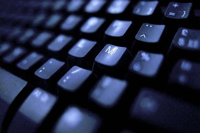 Danger sur le web : la prison au bout du clic
