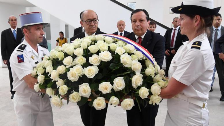 Tunisie: Le Drian affirme la solidarité française dans la lutte antiterroriste