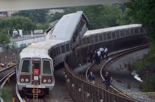 La collision entre deux rames de métro a fait six morts et 76 blessés lundi 22 juin à Washington. (Photo: PHOTO )