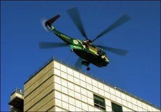 L'hélicoptère transportant le corps de Michael Jackson quitte le 25 juin 2009 à l'hôpital de Los Angeles (Photo: AFP)