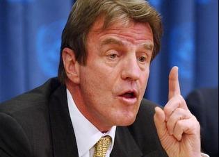 Kouchner annonce la reforme de la politique étrangère de la France