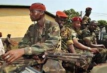 Des troupes de l'armée guinéenne en mouvement vers les frontières (photo: africaguinée)