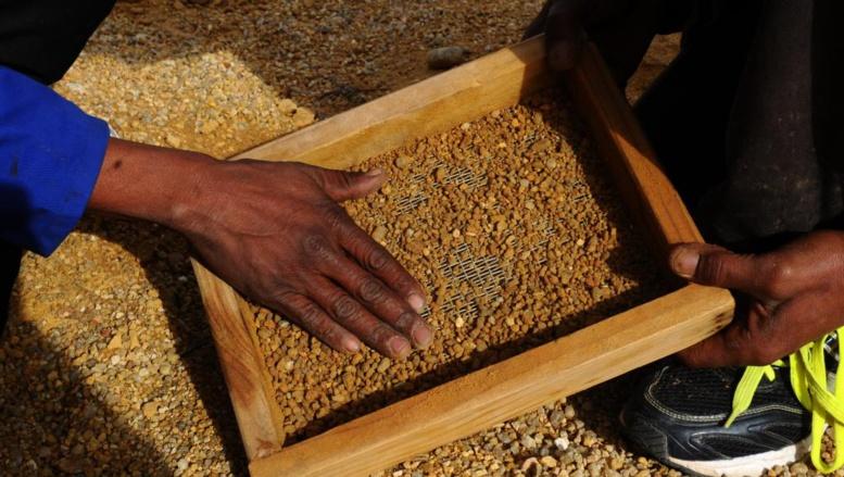 «Des diamants du sang» centrafricains en vente sur Facebook et les réseaux sociaux