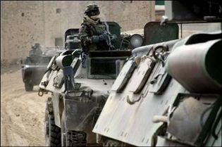 Des blindés français à Sayed Abad. (Photo: AFP)