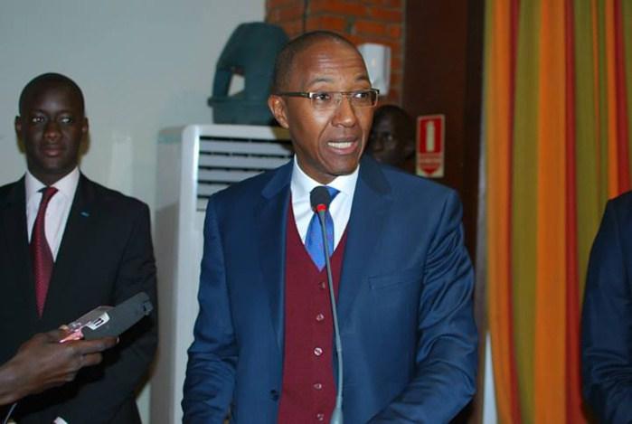 ACT: une dizaine de responsables quitte Abdoul Mbaye pour Macky