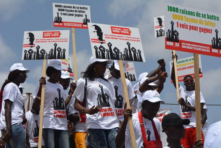 """Législatives 2017: 1000 jeunes Khalifa entament une """"marche silencieuse"""", (Images)"""