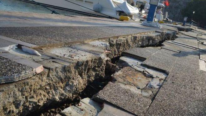 Grèce-Turquie: un tremblement de terre fait 2 morts