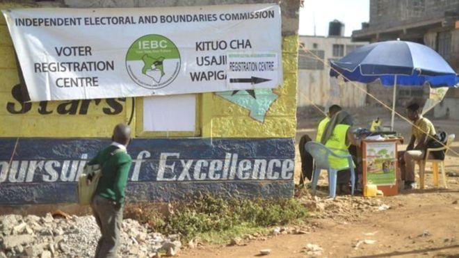 Manifestation après le meurtre d'un responsable électoral — Kenya