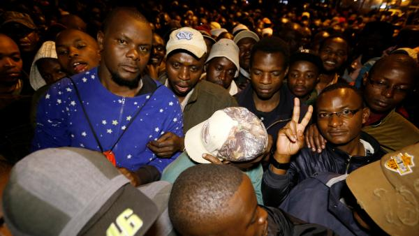 Elections au Kenya: une journée de vote sous haute tension
