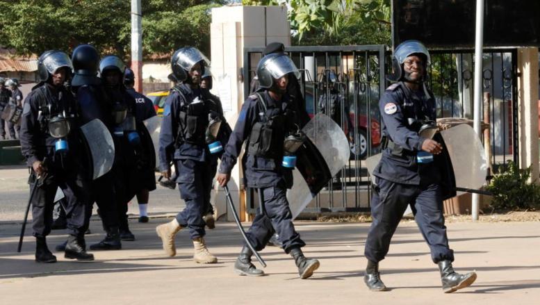 Gambie: quatre soldats suspectés d'actes de mutinerie arrêtés