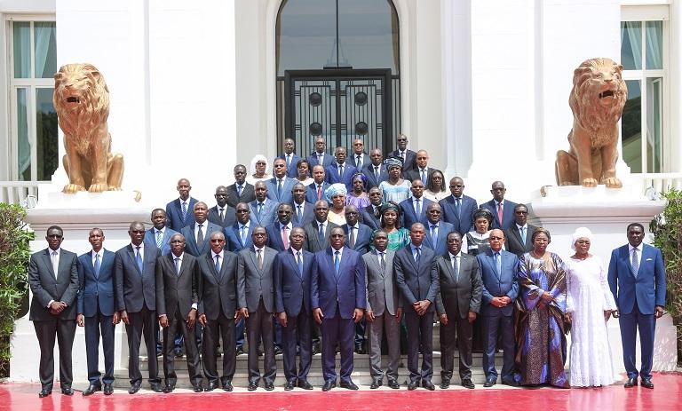 Le premier Conseil des ministres du gouvernement 2 de Dionne en images