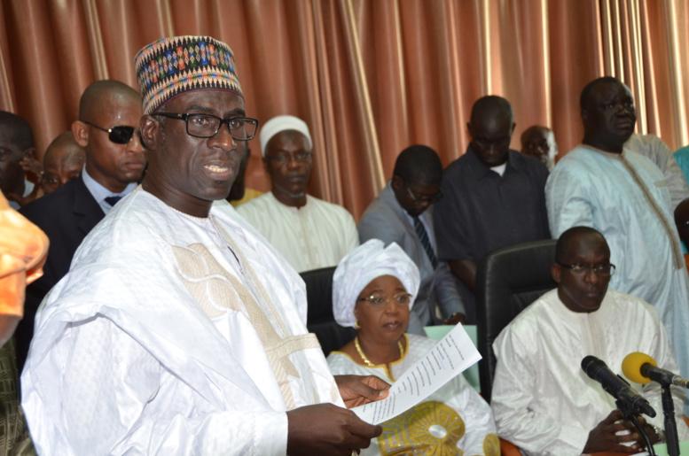 Photos passation de service entre Abdoulaye Diouf Sarr et Awa Marie Coll Seck
