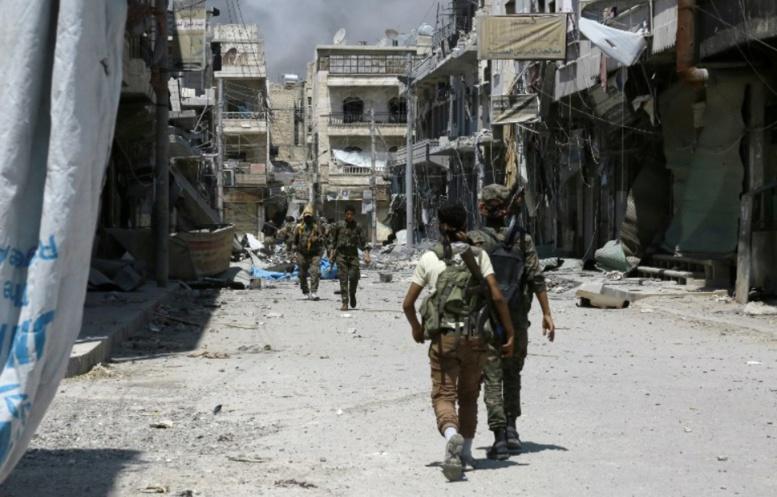 Syrie: Des combattants anti-Daesh accusent Moscou de les avoir bombardés