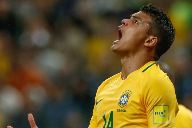 Thiago Silva blessé avec le Brésil — PSG