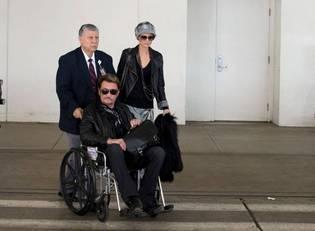 Alors qu'on annoncait une amélioration mercredi, Johnny Hallyday a dû être réopéré dans la nuit à l'hôpital Cedars Sinai de Los Angeles.