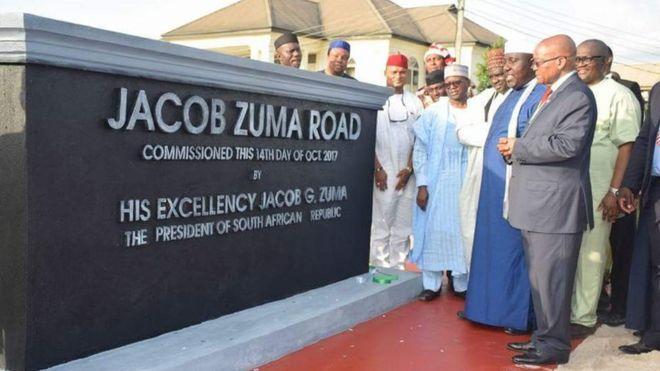 Nigéria: les honneurs à Zuma crée la polémique
