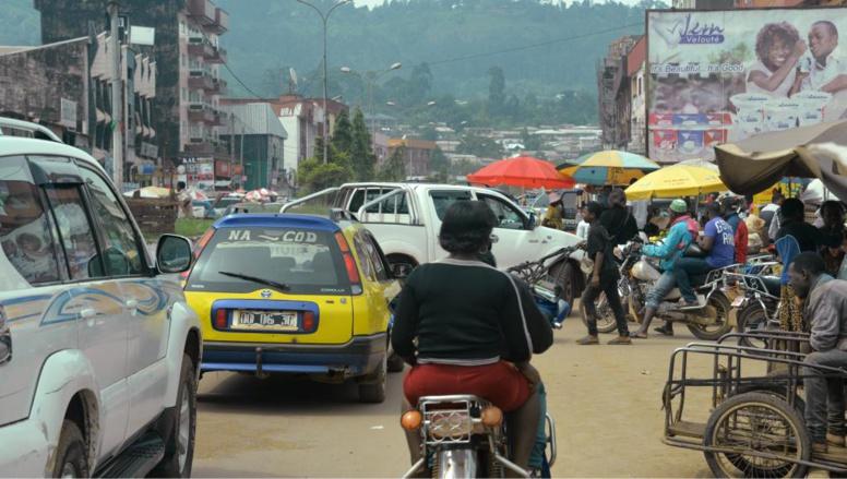 Cameroun: la visite de Philémon Yang en zone anglophone ne fait pas l'unanimité
