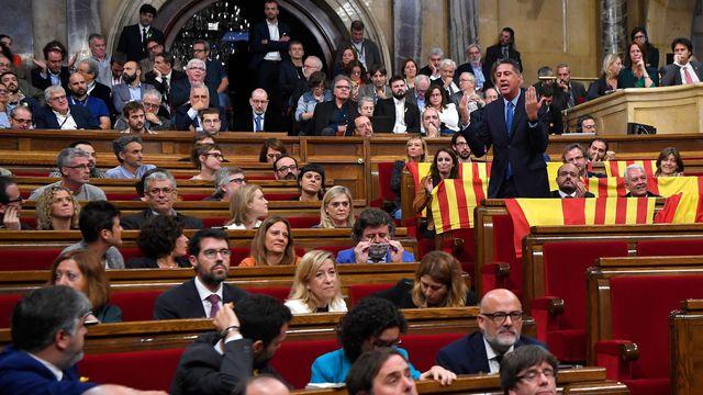 Urgent - Espagne: le Parlement catalan déclare l'indépendance de la Catalogne