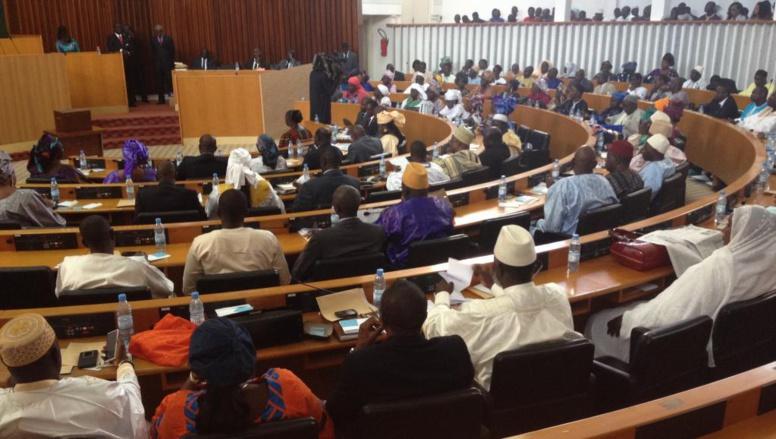 Une réunion des députés de l'opposition prévue à 15 heures pour préparer une stratégie contre...