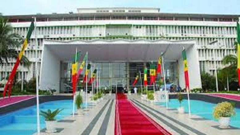 En direct de l'Assemblée nationale : l'opposition sème le trouble
