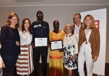 """Arona Diouf et Nicole Diedhiou, lauréats de la """"Bourse Ghislaine Dupont et Claude Verlon"""" 2017 au Sénégal"""