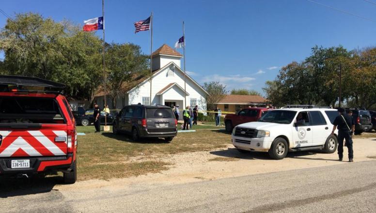 Etats-Unis: une fusillade fait 26 morts dans une église du Texas