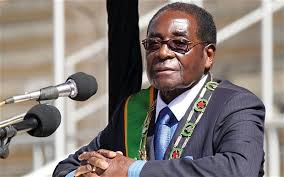 Zimbabwe: le président Mugabe apparait en public pour la première fois depuis le coup de force de l'armée