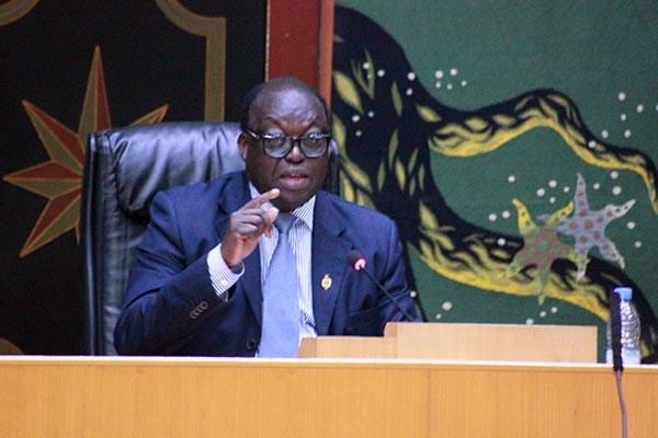 """Droit de réponse de Sokhna Dieng Mbacké - Niasse en a marre de la séance : """"Evitez de citer les collègues, soyez intelligents"""""""
