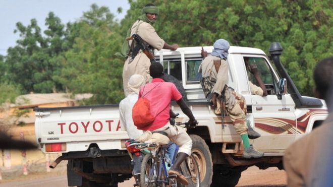 Mali: un président de tribunal enlevé apparaît dans une vidéo