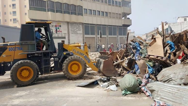 Désencombrement à Pikine : La force publique débarque avec des bulldozers et dégage plus de 200 occupants