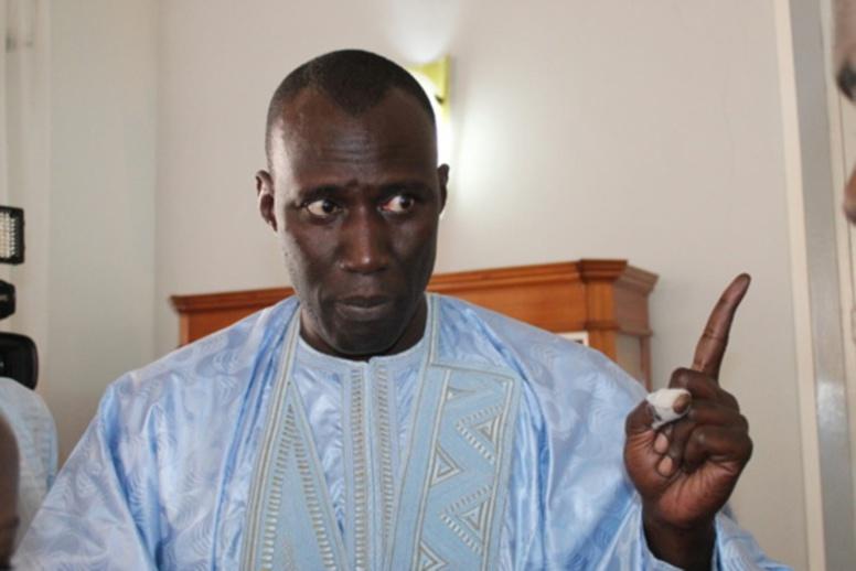Tirs groupés sur Macky Sall : Son conseiller Alioune Fall réplique et répond à ses détracteurs
