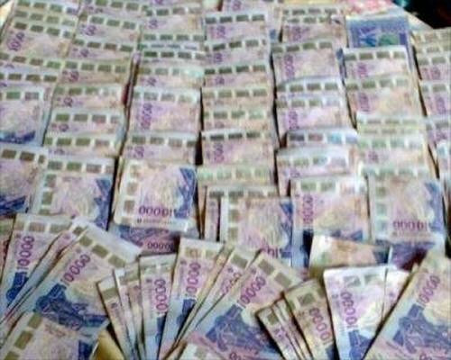 Arnaque: comment un jeune Ivoirien a fait perdre des milliards à des banques maliennes