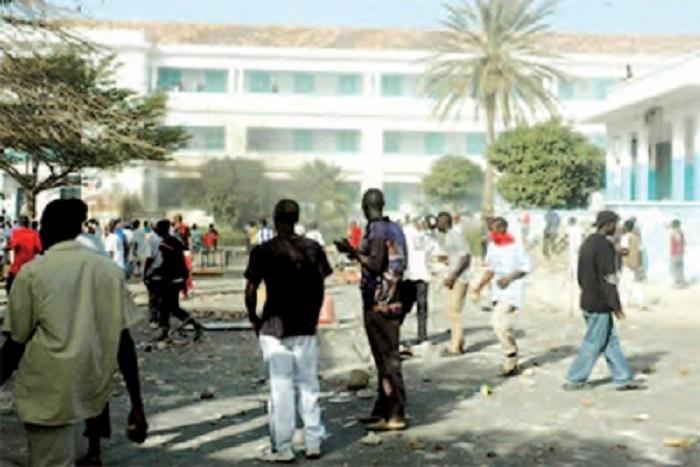 Indésirable à l'UCAD: Pr Mary Teuw Niane attendu de pied ferme par les étudiants