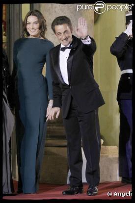 Carla Bruni affirme sa confiance en Nicolas Sarkozy... et revient sur le véritable conte de fées qu'elle vit avec lui